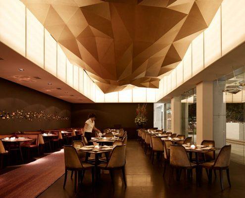 رنگ قهوه ای در طراحی دکور رستوران
