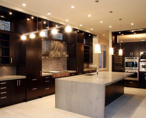 رنگ قهوه ای در طراحی دکور آشپزخانه